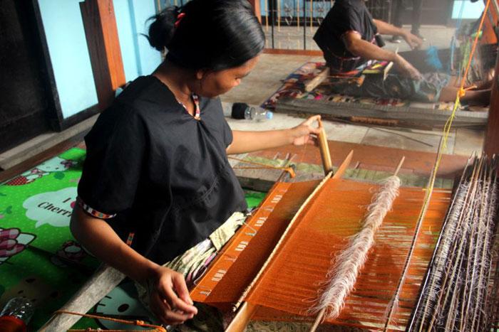 tenun sukarara lombok