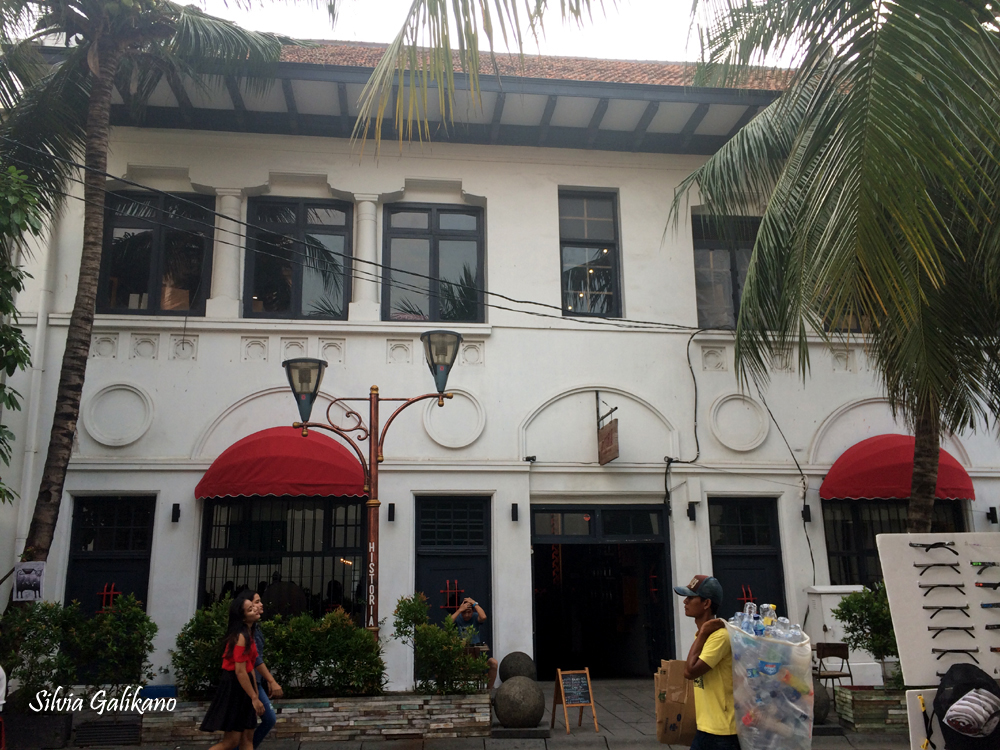 Historia Food and Bar, kotatua