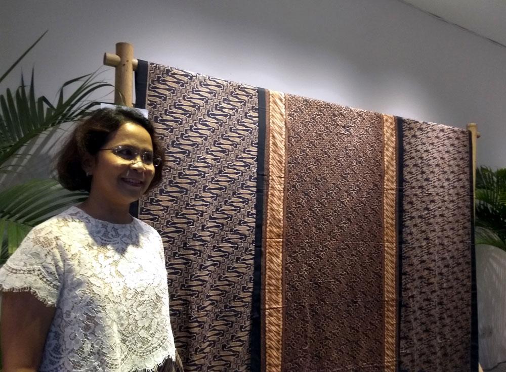 Kolektor batik Quoriena Ginting