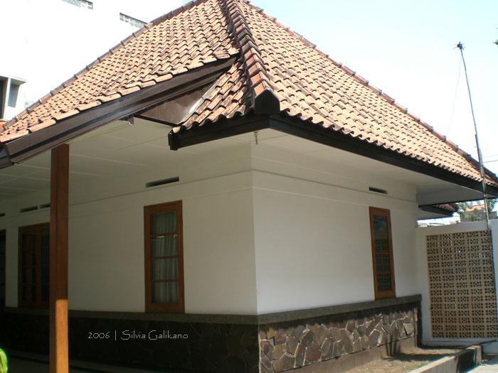 Rumah Inggit Garnasih di Ciateul, Bandung
