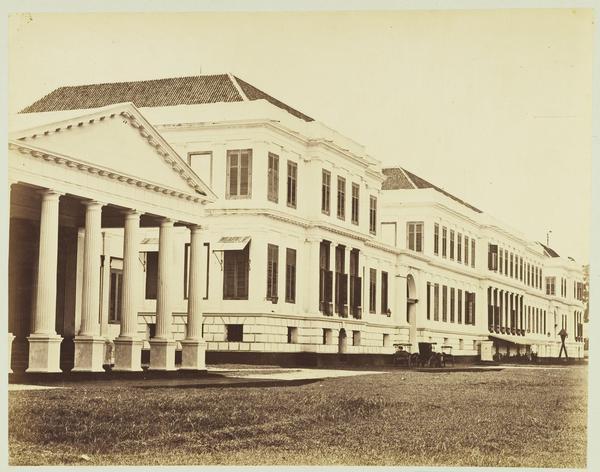 istana daendels waterlooplein, gedung kementerian keuangan