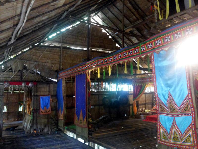 Rumah Suku Bajau, MariMari Cultural Village, 2015. (Foto Silvia Galikano)