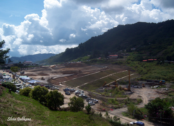 Kundasang War Memorial berada di Ranau, desa terakhir sebelum Gunung Kinabalu, 26 November 2010. (Foto Silvia Galikano)